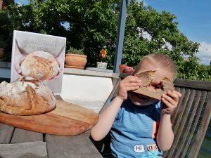 domáci chlieb, pečenie chleba, kváskovanie