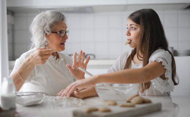 zena a vnučka